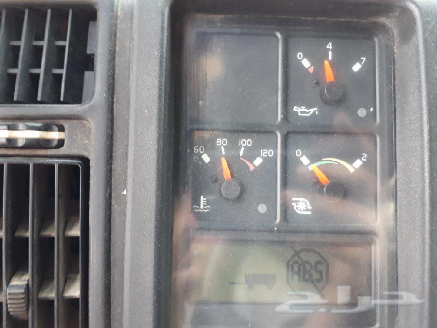 شاحنة فولفو
