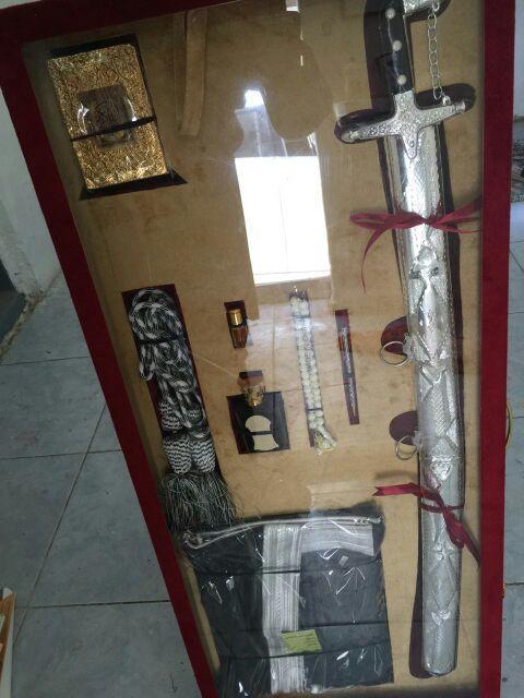 عرض خاص للبيع طقوم السيوف الفخامة والتميز