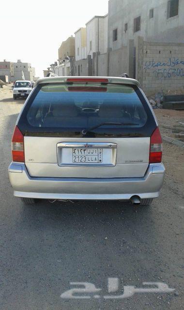 سيارة متسوبيشي عائلية