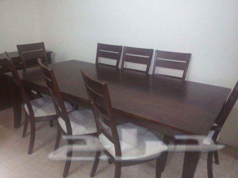 غرفة سفرة من هوم سنتر و طاولة تلفزيون