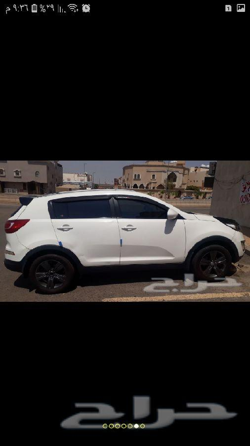 جيب كيا سبورتاج أبيض 2011 للبيع