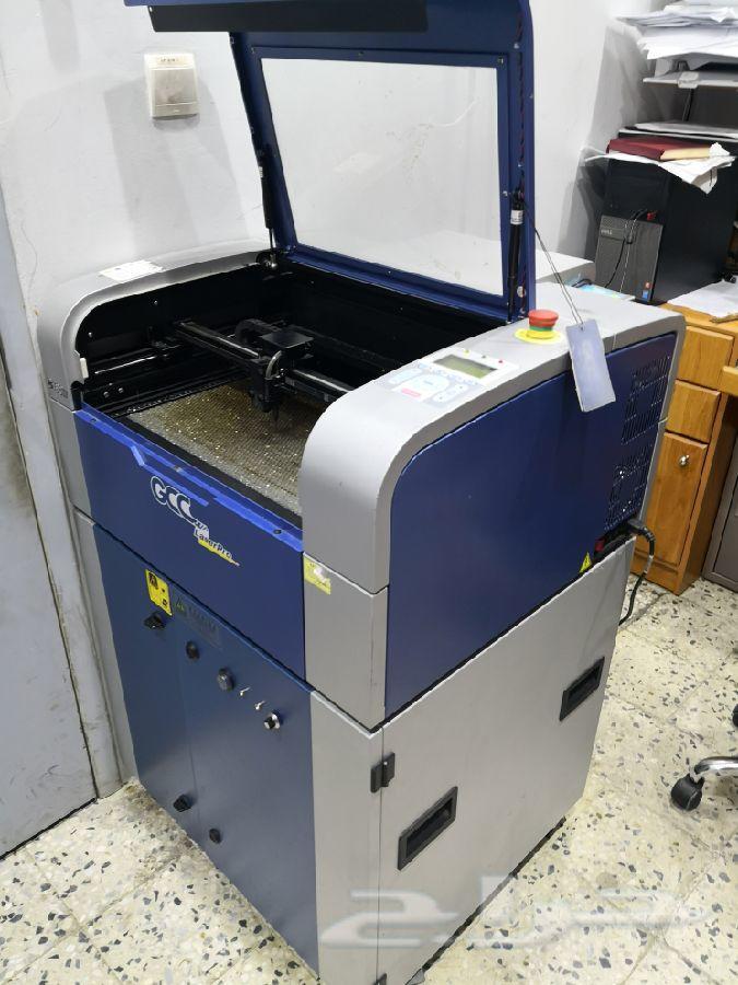 ماكينة ليزر Co2 أمريكية (قص ونحت)