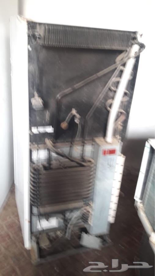 ثلاجة غاز وكهرباء للبيع