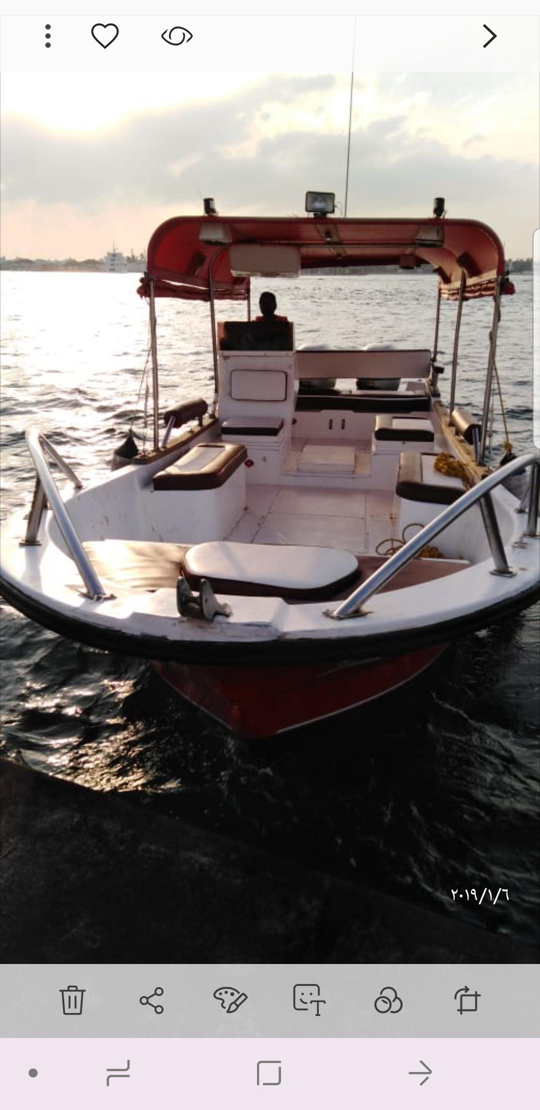 للبيع قارب الضاعن 9 متر