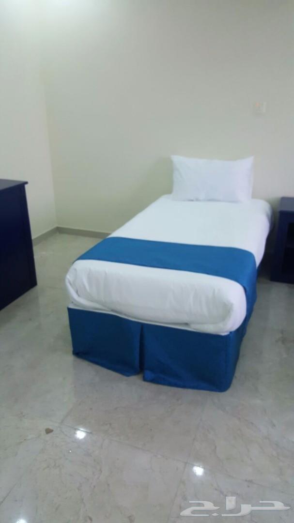 سرير بوكسات جديده مع طقم لحاف متكامل فقط 250