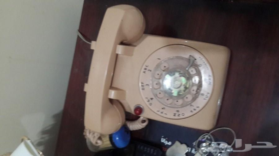 تلفونات قرص قديمة شبه ونظيفة  وتعمل على الشرط