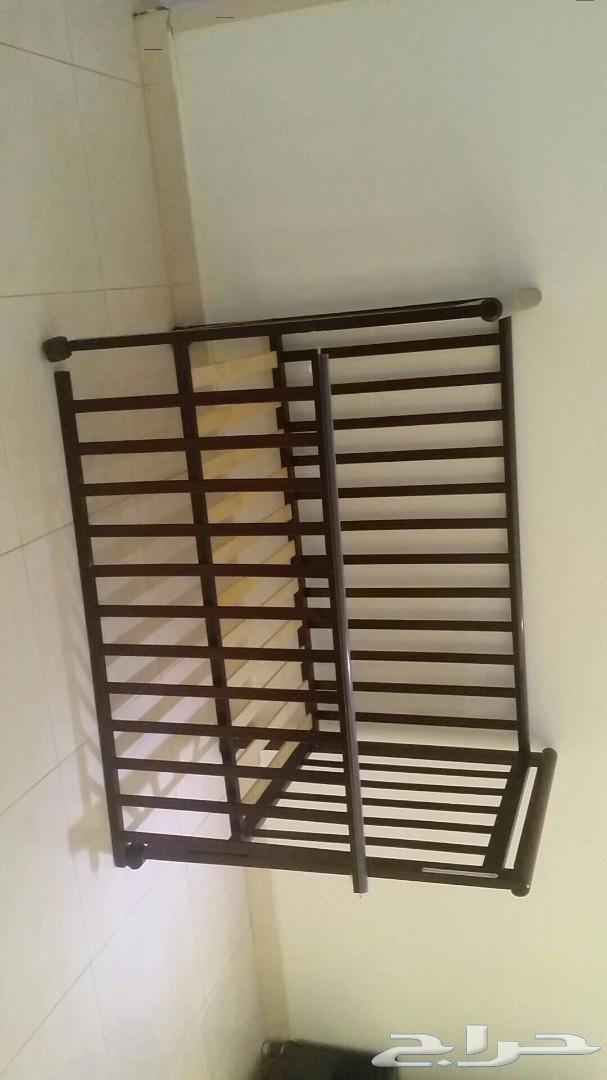 سرير اطفال 100ريال