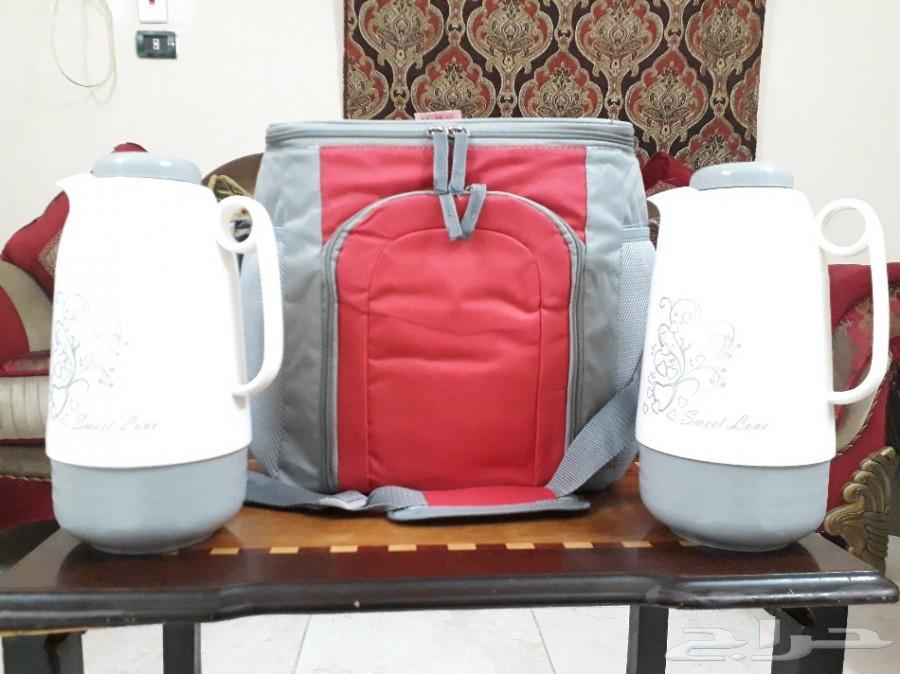 ترامس الشاهي والقهوة الخاصة للرحلات مع الشنطة