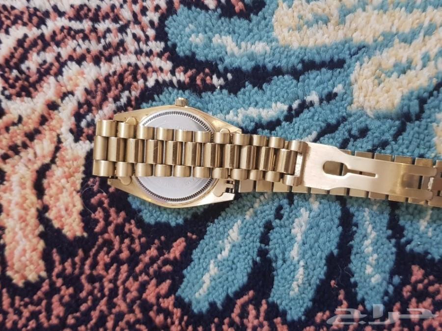 للبيع ساعة جميلة انيقة ورخيصة