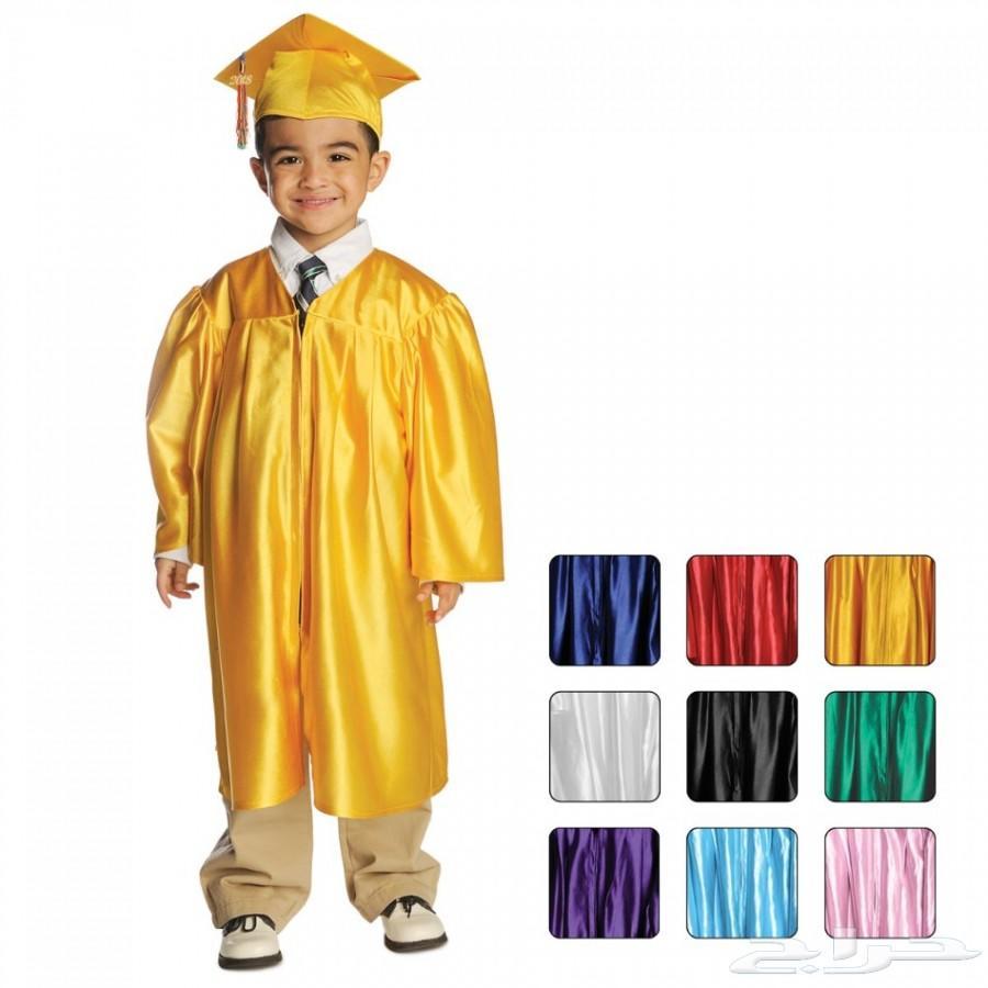 معمل خياطه عامه يوجد قسم للخاص لعبايات التخرج