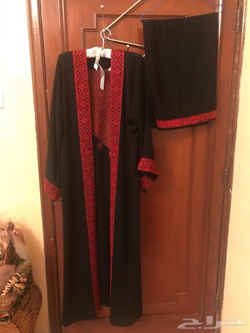 ملابس نسائية فاخرة للبيع
