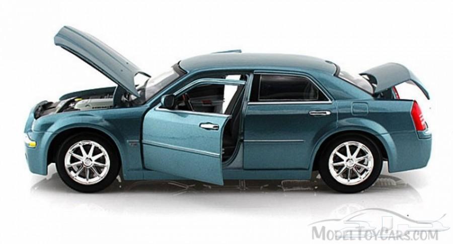 للبيع مجسم كرايسلر سي 300 هيمي موديل 2005