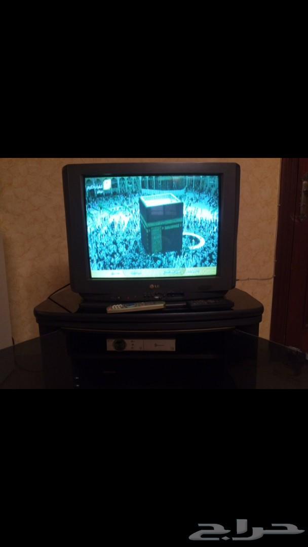 تلفزيون ورسيفر وطاولة للبيع