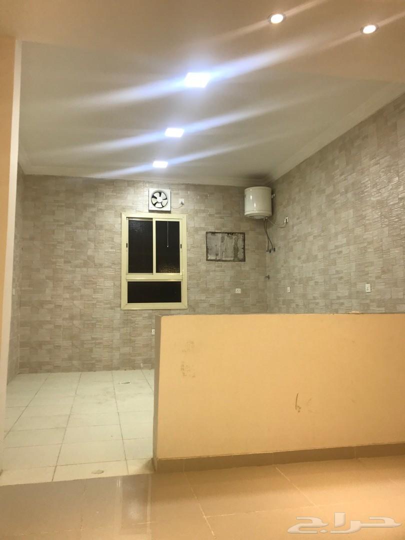 شقة ست غرف للبيع  تشطيب ذوق 570 الف