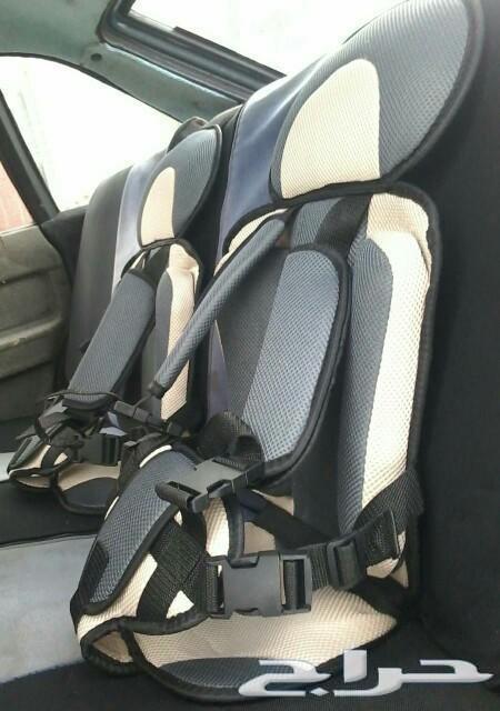 كرسي السيارة للأطفال آخر حبتين
