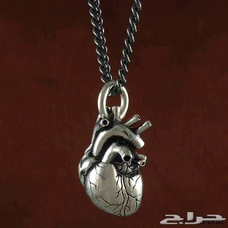 الورد المطلي ذهب ثقيل والسلسال شكل قلب حقيقي