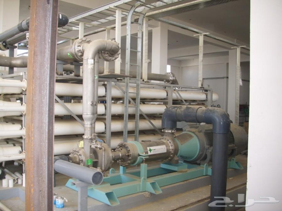 مصانع و محطات تحلية مياه