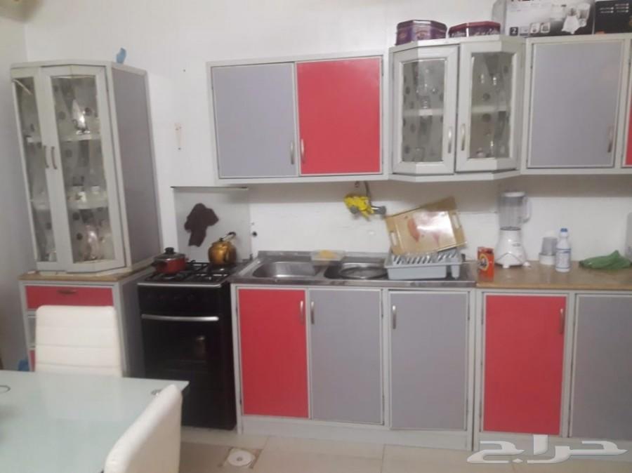»  اثاث شقة للبيع بالكامل شبه جديد