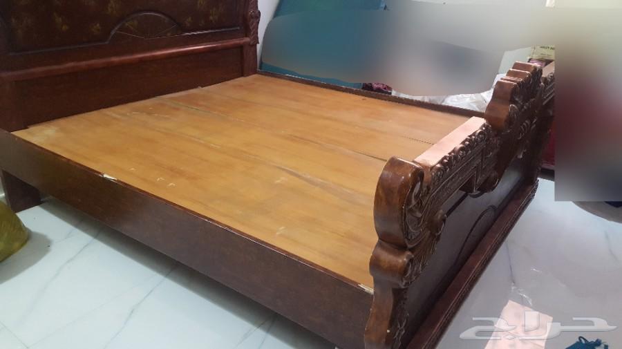 سرير نوم مزدوج