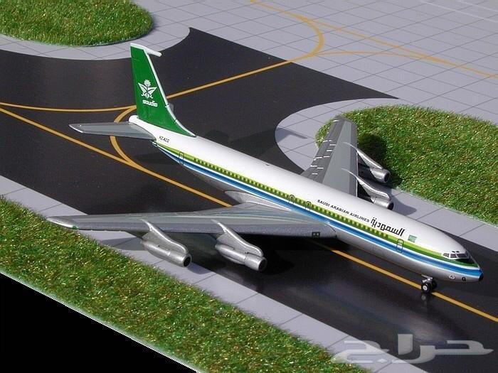 مجسم طائرة الخطوط السعودية القديم