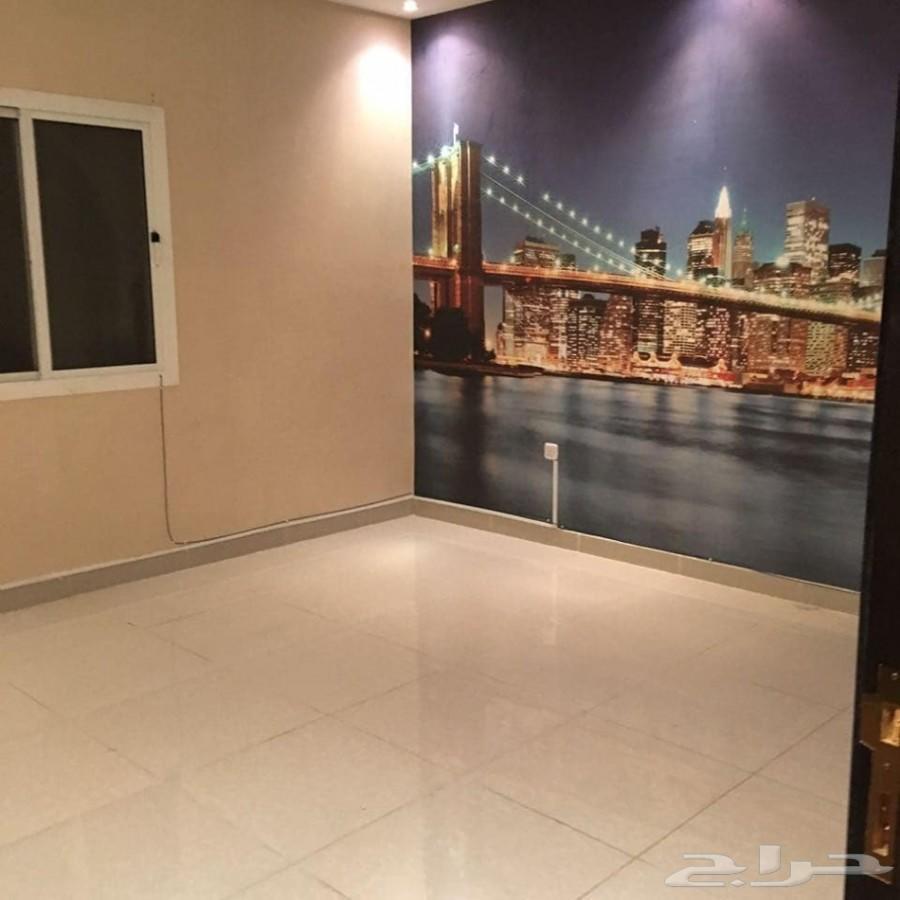 شقه 3 غرف كبيره للبيع ع دفعات بسعر 180الف