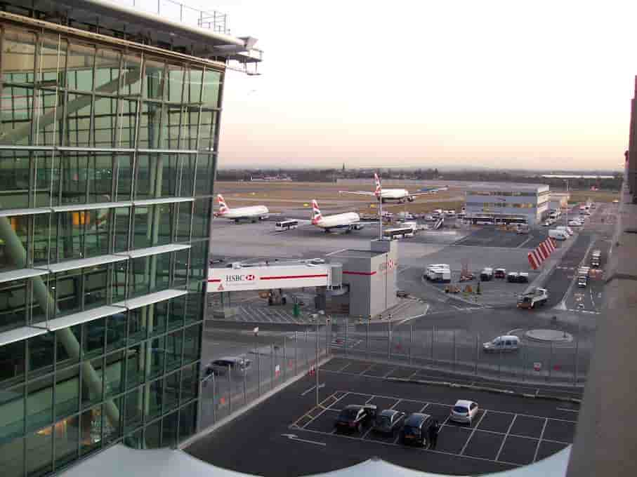 London City Airport Taxi Transfers| minicabit