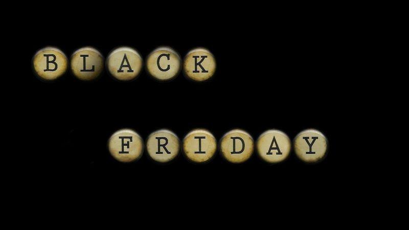 scritta in oro su sfondo nero di Black Friday