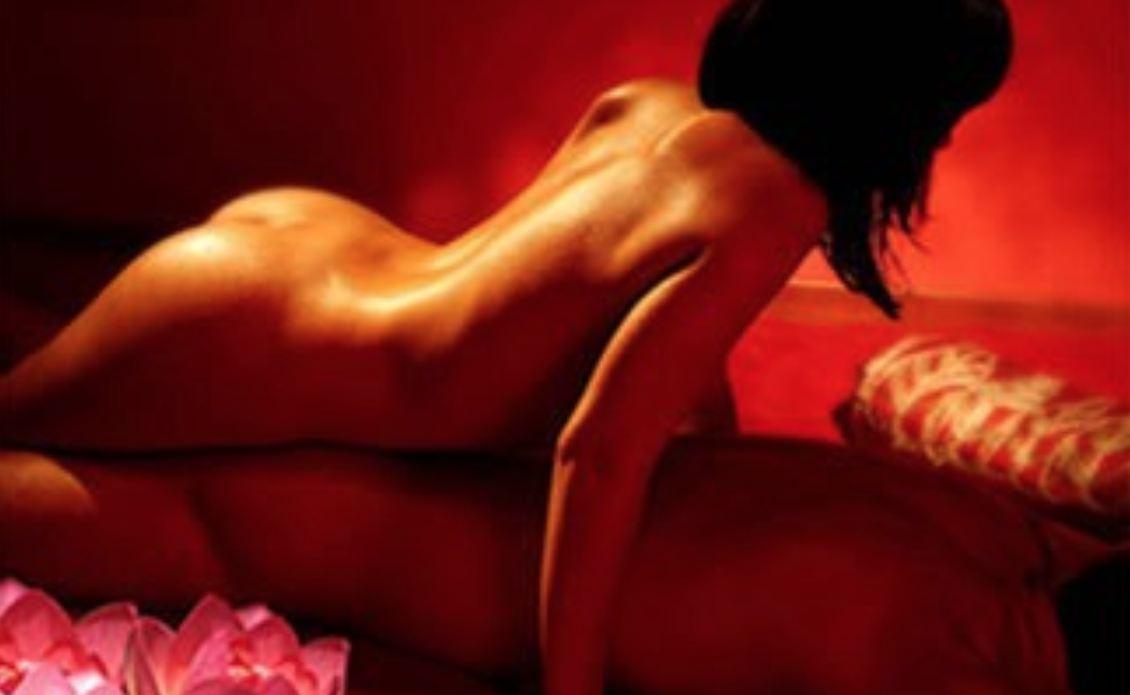 Les meilleures techniques pour effectuer un massage érotique. Comment faire pour que votre client devienne fou de vous avec ces techniques de massage sensuel.