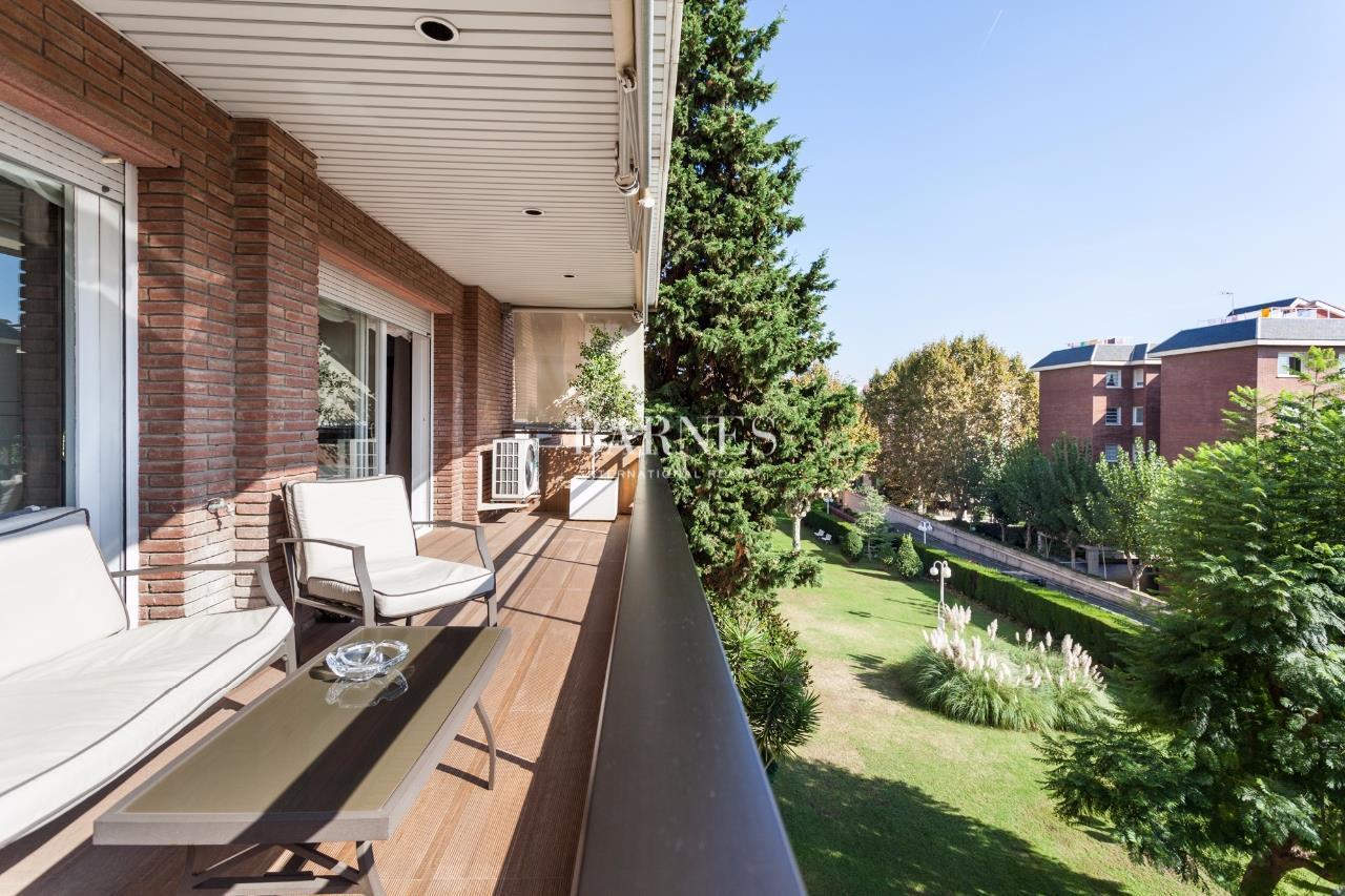 Appartement de 300 m2 avec piscine pedralbes ventes for Chauffage piscine russe