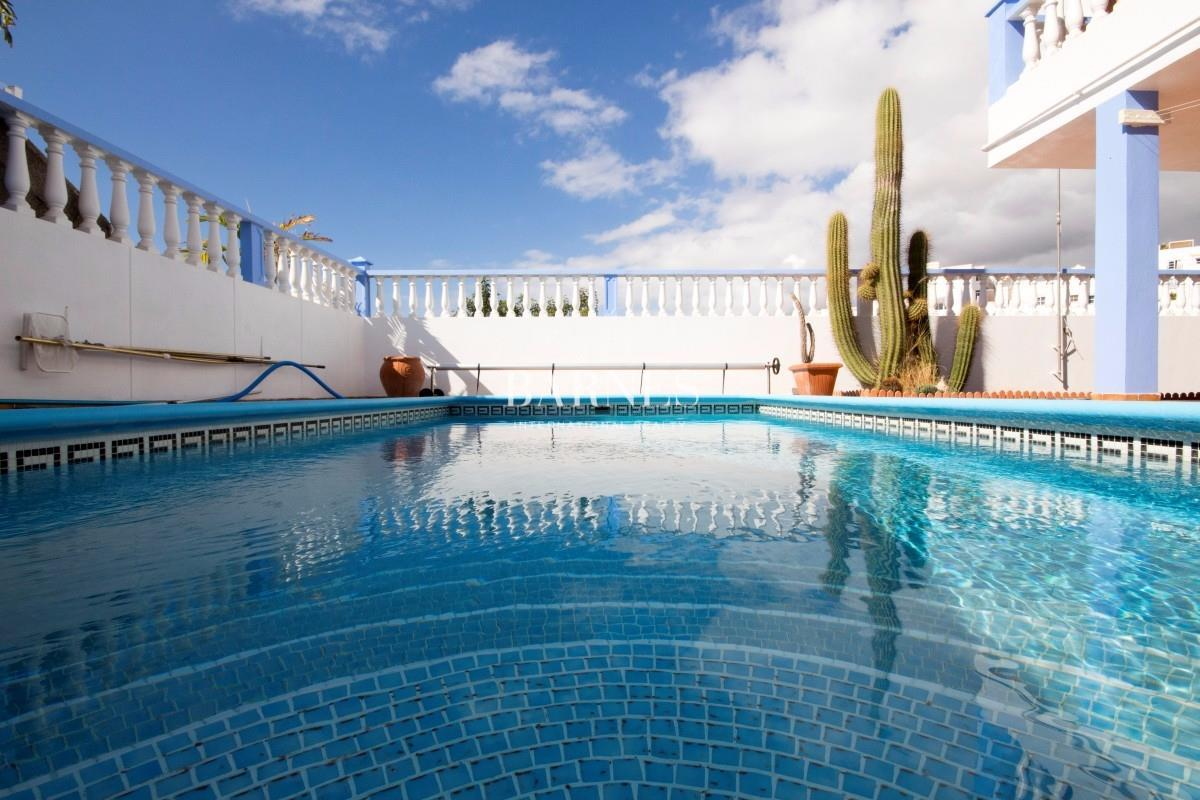 Impressive villa at callao salvaje luxury homes for sale for Decor international adeje tenerife