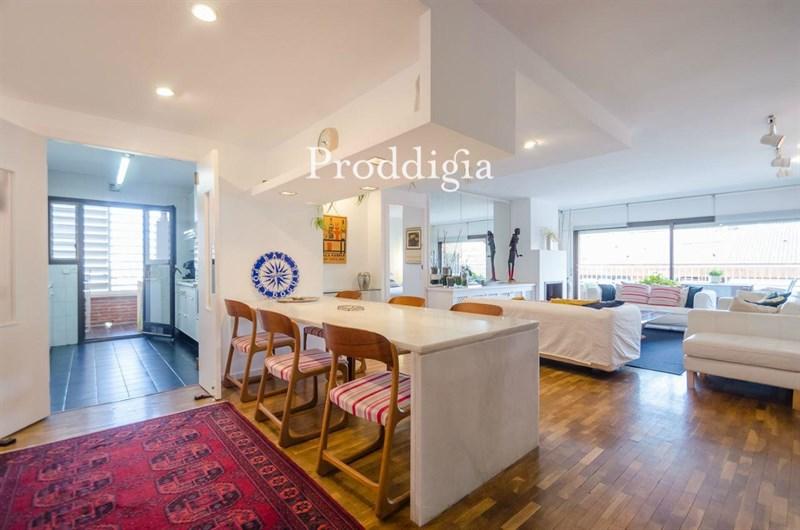 Exclusivo piso en calle Freixa