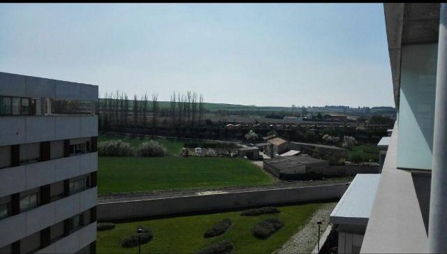 -eu-west-1.amazonaws.com/mobilia/Portals/inmoatrio/Images/1176/2328988