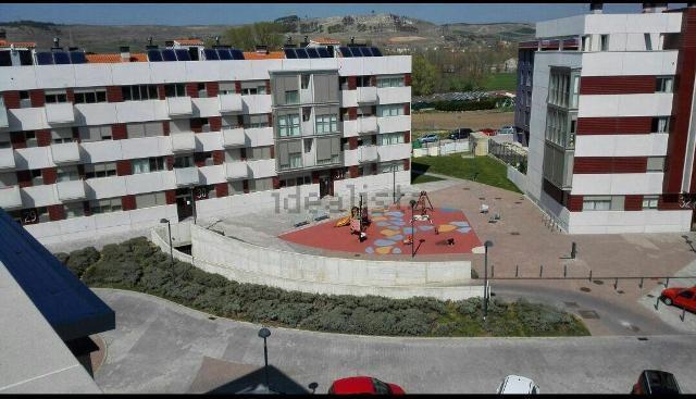 -eu-west-1.amazonaws.com/mobilia/Portals/inmoatrio/Images/1176/2329002