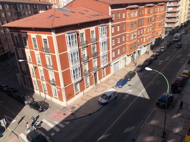 -eu-west-1.amazonaws.com/mobilia/Portals/inmoatrio/Images/1668/2490736