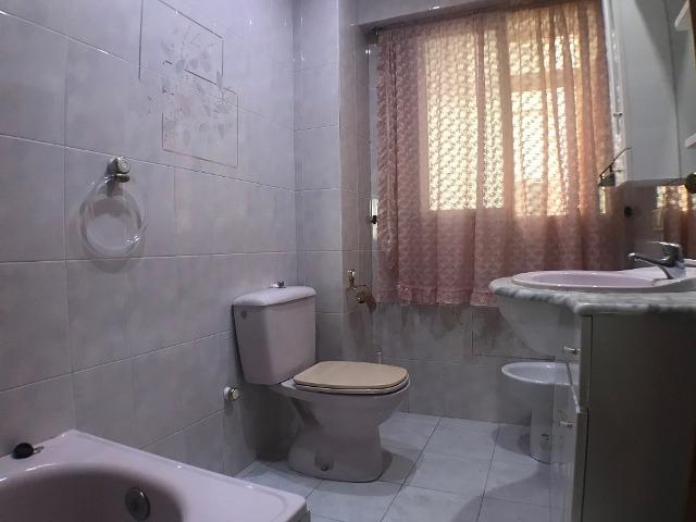 -eu-west-1.amazonaws.com/mobilia/Portals/inmoatrio/Images/3615/2214382