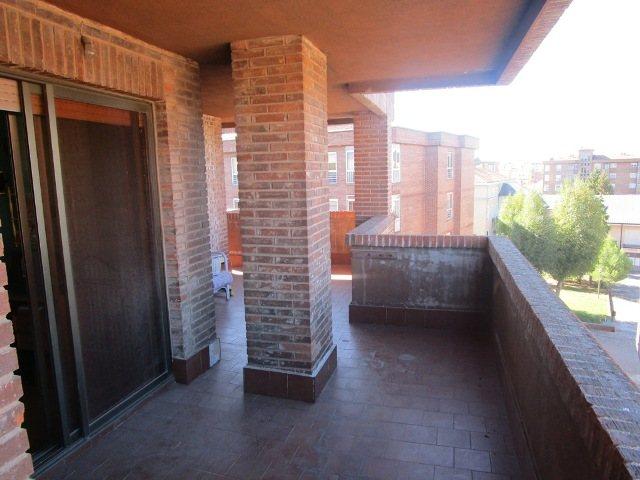 -eu-west-1.amazonaws.com/mobilia/Portals/inmoatrio/Images/3639/2214933