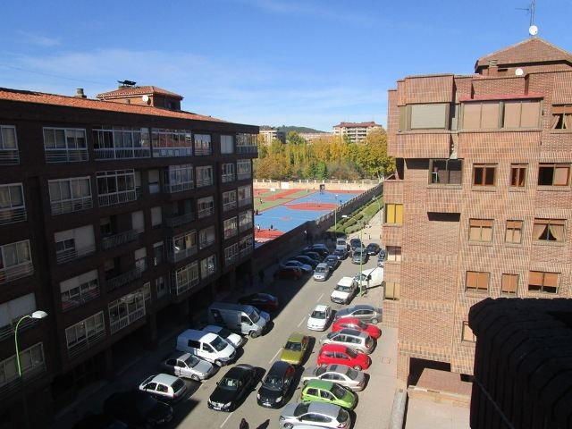 -eu-west-1.amazonaws.com/mobilia/Portals/inmoatrio/Images/3639/2214934