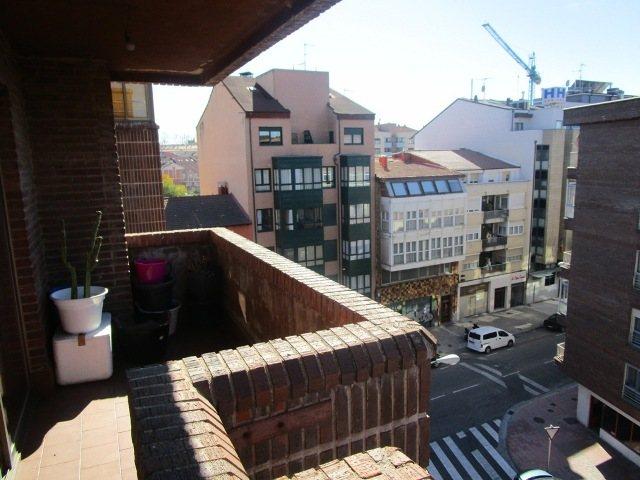-eu-west-1.amazonaws.com/mobilia/Portals/inmoatrio/Images/3639/2214936