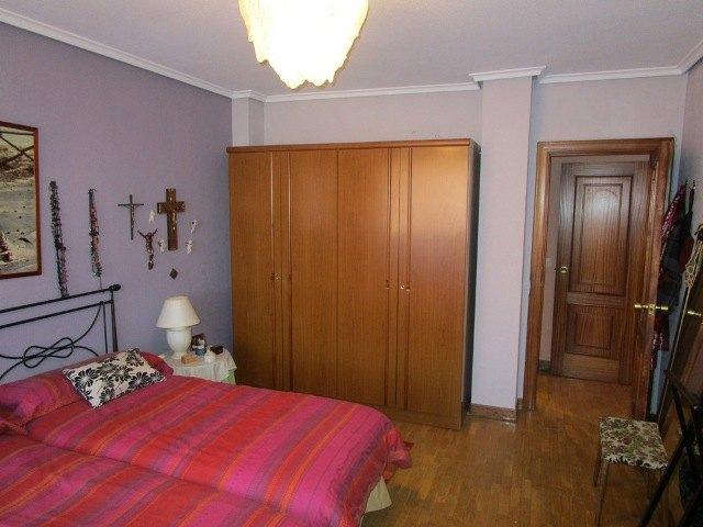 -eu-west-1.amazonaws.com/mobilia/Portals/inmoatrio/Images/3639/2214941