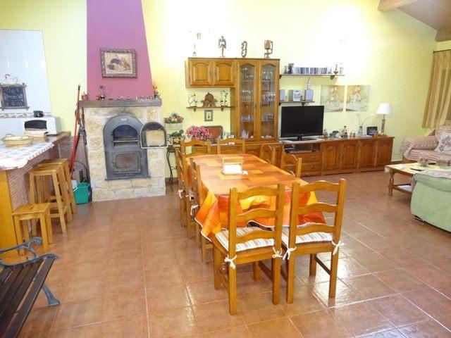 -eu-west-1.amazonaws.com/mobilia/Portals/inmoatrio/Images/3659/2215319