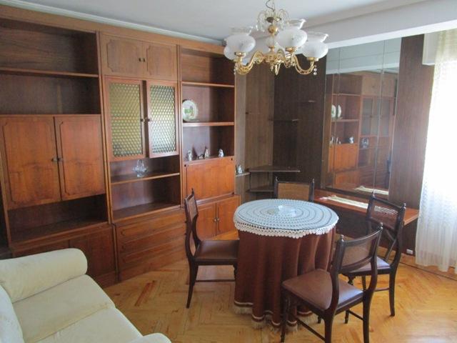 -eu-west-1.amazonaws.com/mobilia/Portals/inmoatrio/Images/3783/2217809