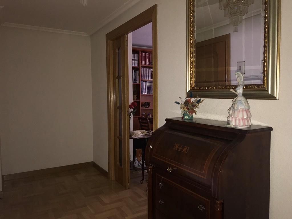 -eu-west-1.amazonaws.com/mobilia/Portals/inmoatrio/Images/3814/2218380