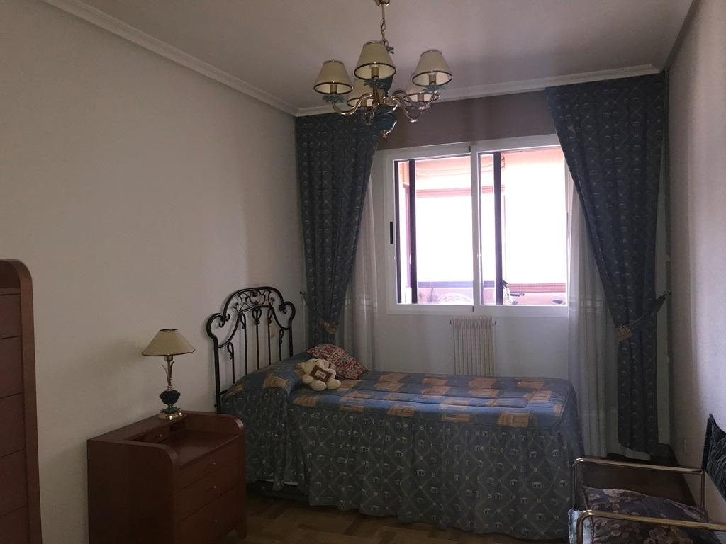 -eu-west-1.amazonaws.com/mobilia/Portals/inmoatrio/Images/3814/2218390
