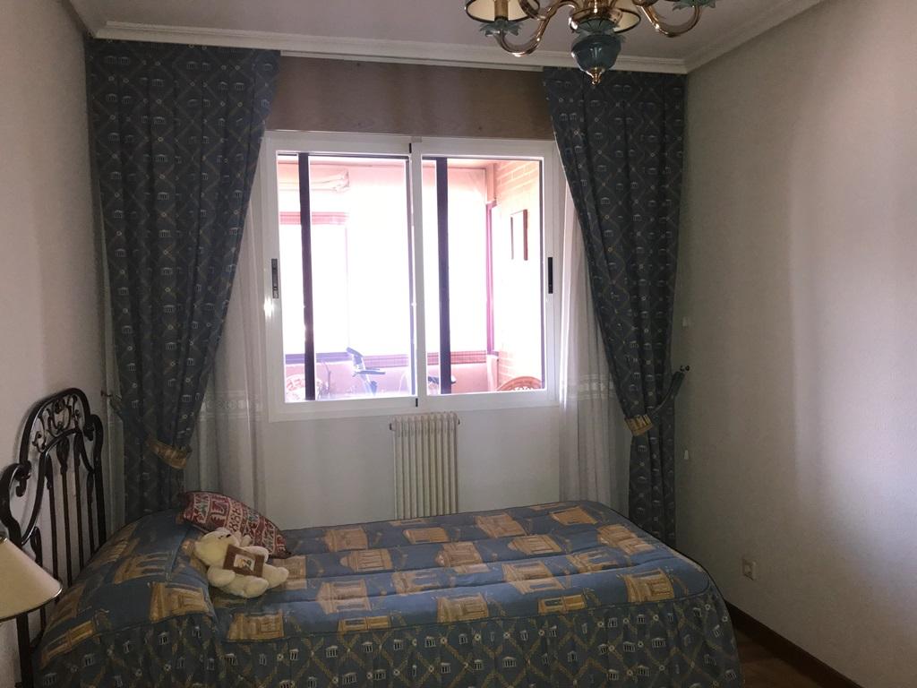 -eu-west-1.amazonaws.com/mobilia/Portals/inmoatrio/Images/3814/2218391