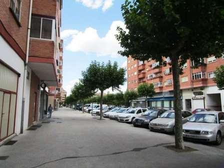 -eu-west-1.amazonaws.com/mobilia/Portals/inmoatrio/Images/3859/2219200