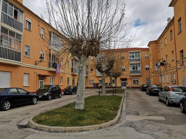 -eu-west-1.amazonaws.com/mobilia/Portals/inmoatrio/Images/3958/2528816