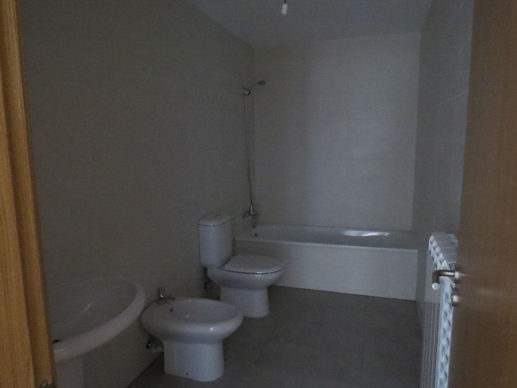 -eu-west-1.amazonaws.com/mobilia/Portals/inmoatrio/Images/4105/2223275