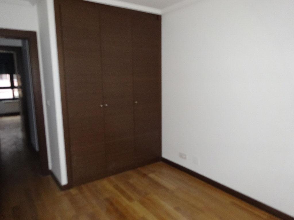 -eu-west-1.amazonaws.com/mobilia/Portals/inmoatrio/Images/4117/2223409