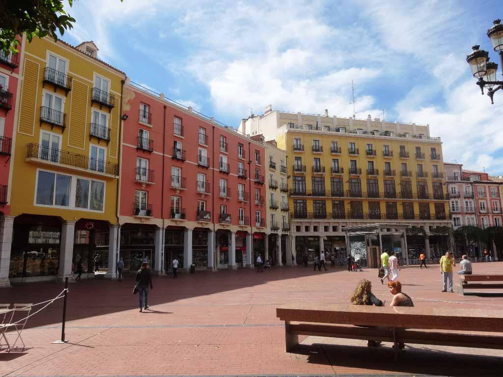 -eu-west-1.amazonaws.com/mobilia/Portals/inmoatrio/Images/4274/2225755