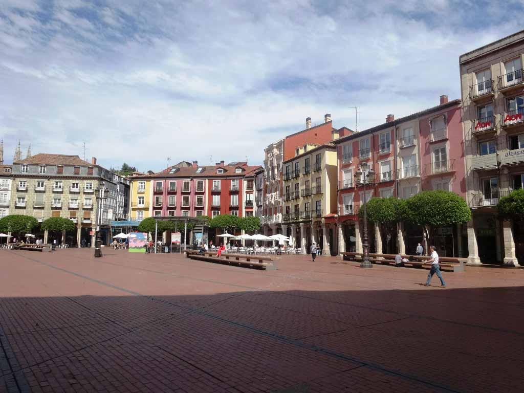 -eu-west-1.amazonaws.com/mobilia/Portals/inmoatrio/Images/4274/2225767
